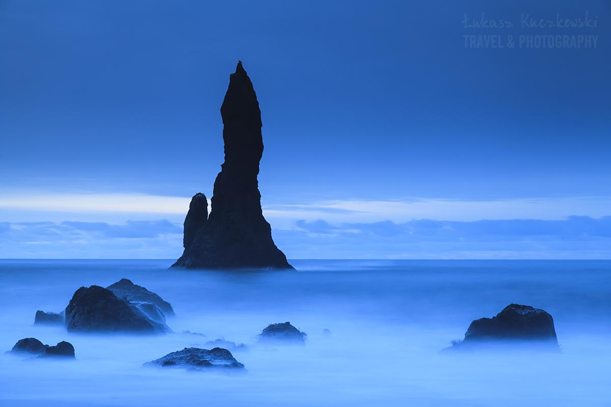 Islandia, plaże Vik przed wschodem Słońca.